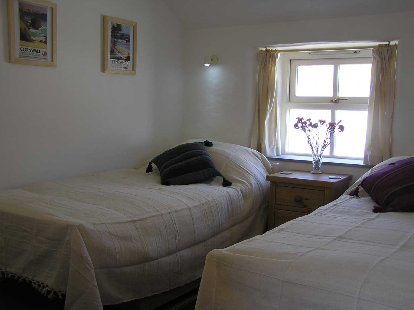 Bedroom no 2 with twin 3ft beds